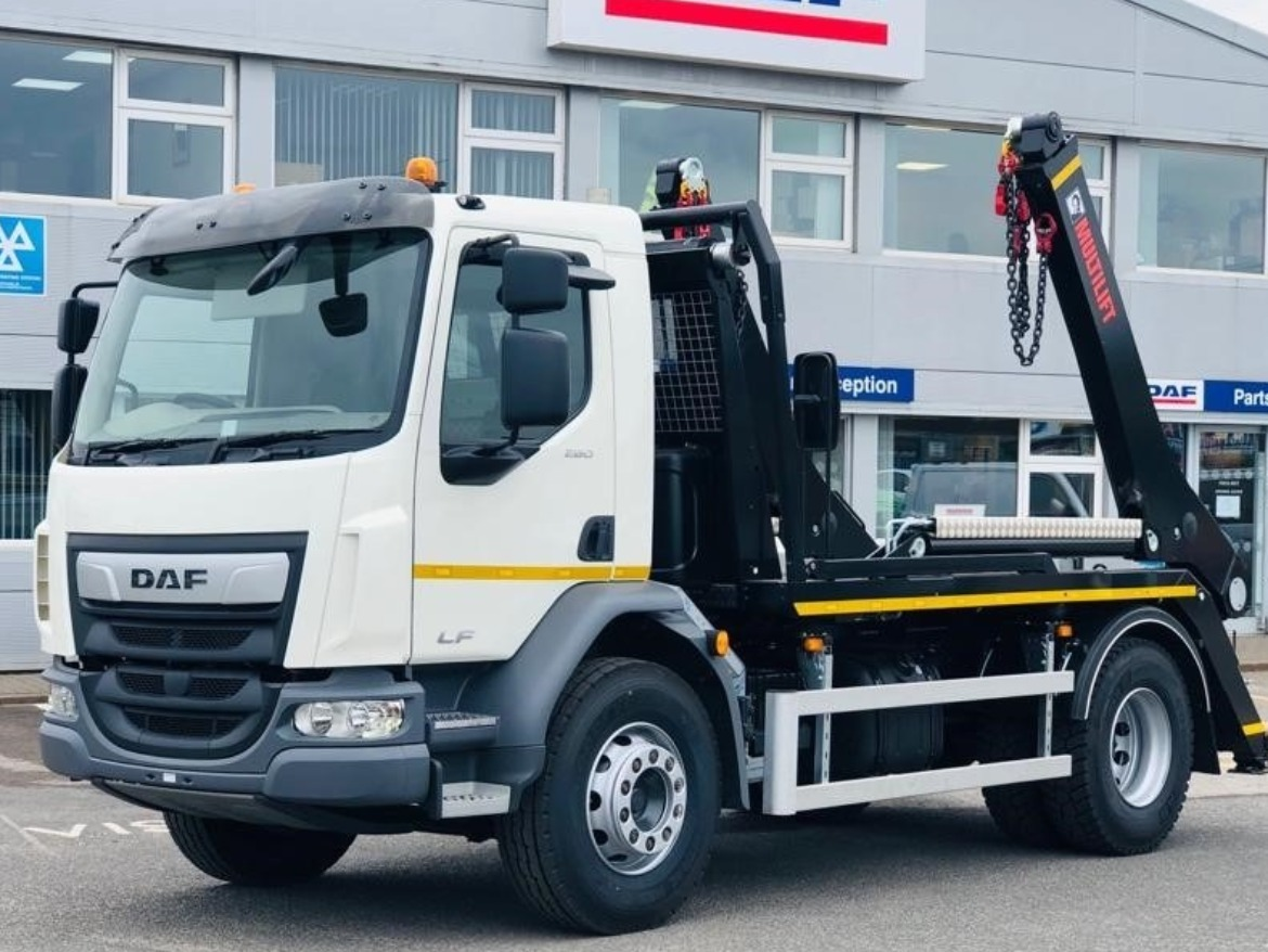 NEW DAF LF 18T MULTI-LIFT / HYVA SKIP LOADER